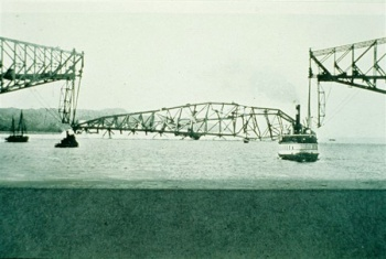 Collapse of the central span