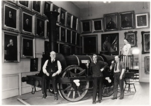 Mr Cole, Mr L. A. Renaud, Mr Tom and Mrs Anna O'Dowd in the Elgin Gallery (undated)