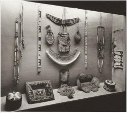Display case containing a few Native American artefacts from the Coverdale Collection. © BAnQ
