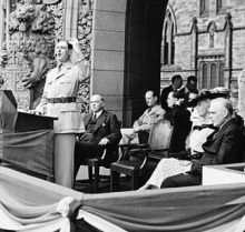 General de Gaulle Addressing the Crowd on Parliament Hill in Ottawa, July 11th, 1944. BAC.