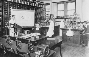 Marie-Victorin working in his lab at the Laval University Faculty of Sciences in Montreal, circa 1906