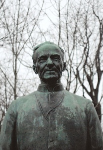 Statue of Brother André, Montreal