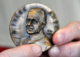 Medal issued for the beatification of Brother André in 1982