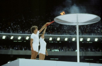 Sandra Henderson and Stéphane Préfontaine lighting the Olympic Cauldron, Montreal, July 17, 1976
