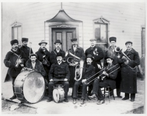 Whitewood Brass Band, around 1890. Count de Soras (cornet), Mr de Wolff (clarinet), Count de Jumilhac (small bugle) and Count de Langle (drum) can be seen in the photograph.