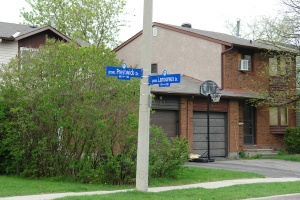 Francophones and anglophones in peaceful coexistence: Prestwick and Lamoureux in the Fallingbrook neighbourhood