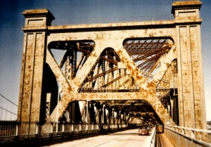 Maintenance problems on the Quebec Bridge, 1978