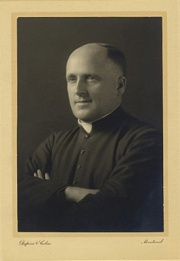 Albert Tessier, priest, BAnQ